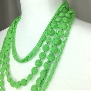 Vintage 60s 70s green textured resin necklace EUC